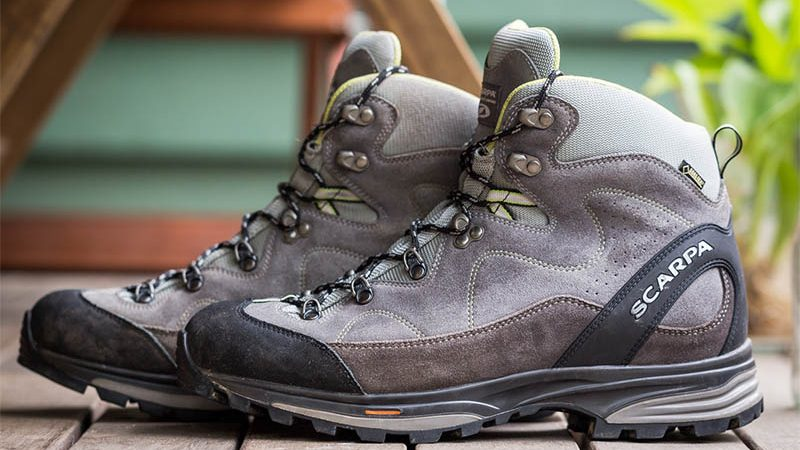 how to clean and care a hiking boots